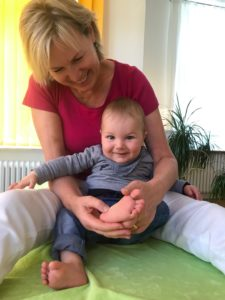 Fussreflex Babybehandlung